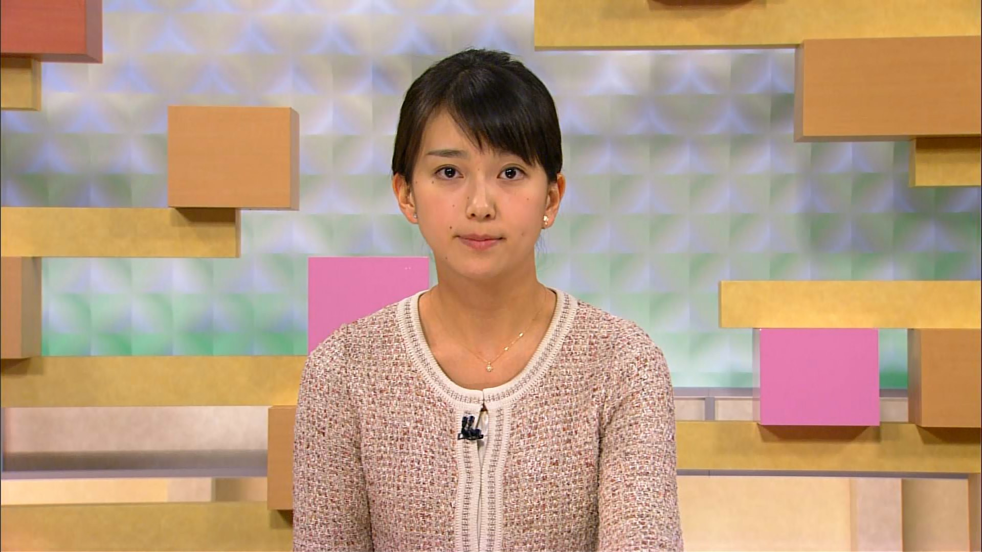 和久田麻由子 おはよう日本のメインキャスターを担当するのが和久田麻由子アナ。