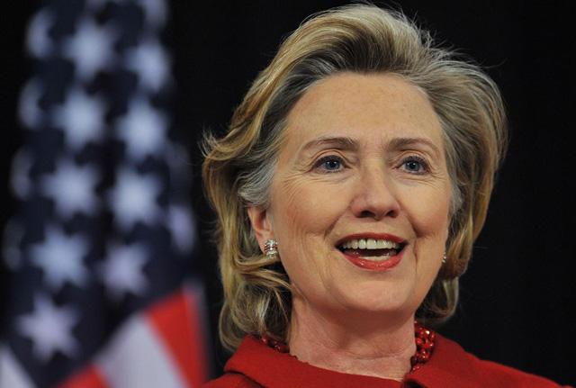 ヒラリークリントンの病気は認知症?若い頃から病弱?余命1年の噂も!