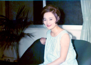 浜木綿子の若い頃と現在の画像を検証!整形で劣化知らずをキープ?